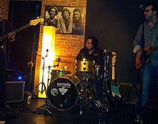 MIGUEL TALAVERA TRIO llena de BLUES y ROCK el pub La Boheme!!