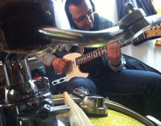 Miguel Talavera, ya esta grabando las guitarras para lo que será su nuevo disco!!